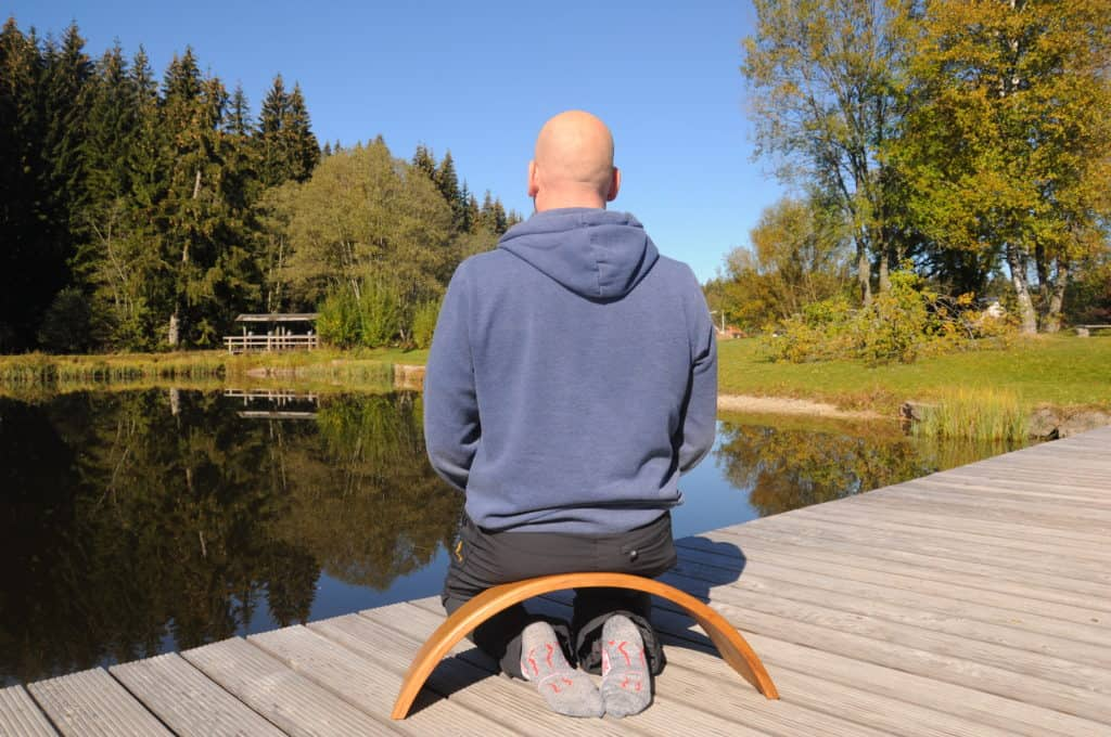 Carsten Warga auf der Ombow Meditationsbank