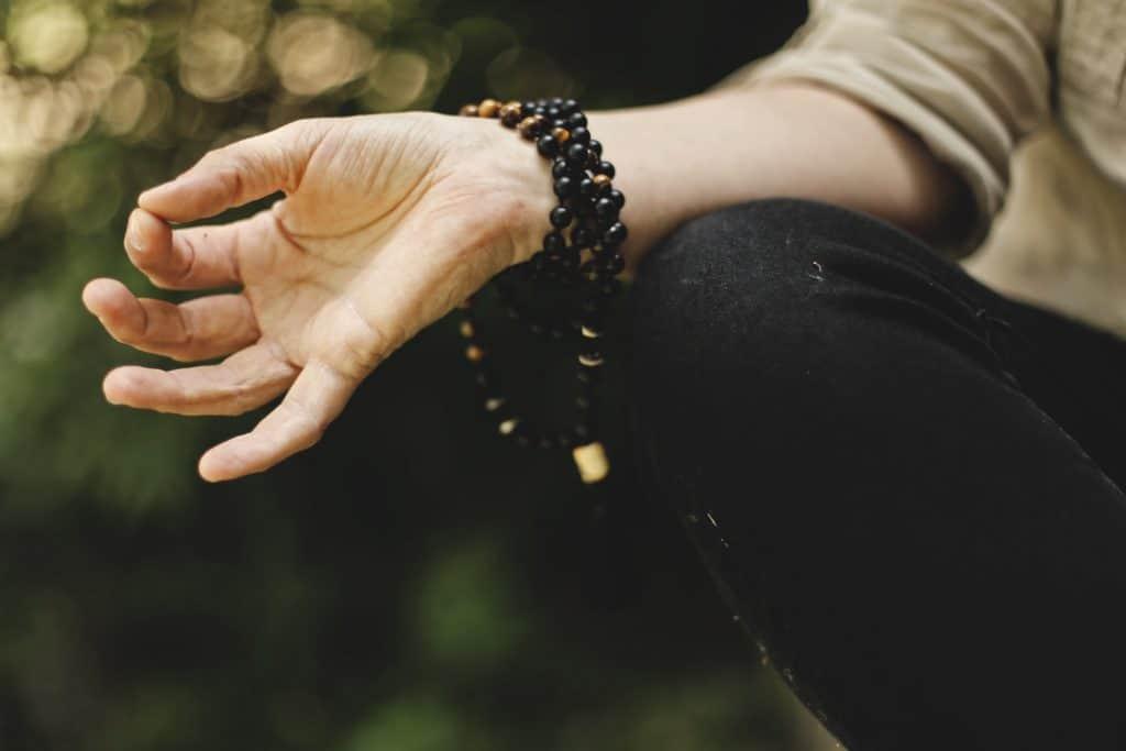 Handhaltung bei der Meditation