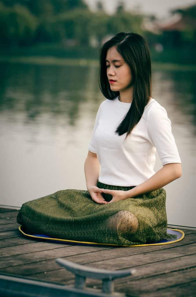 Zen Meditation Handhaltung kosmisches Mudra