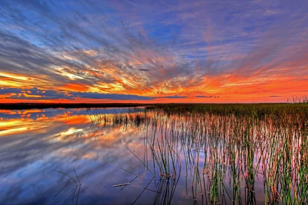 Orangefarbener Sonnenuntergang