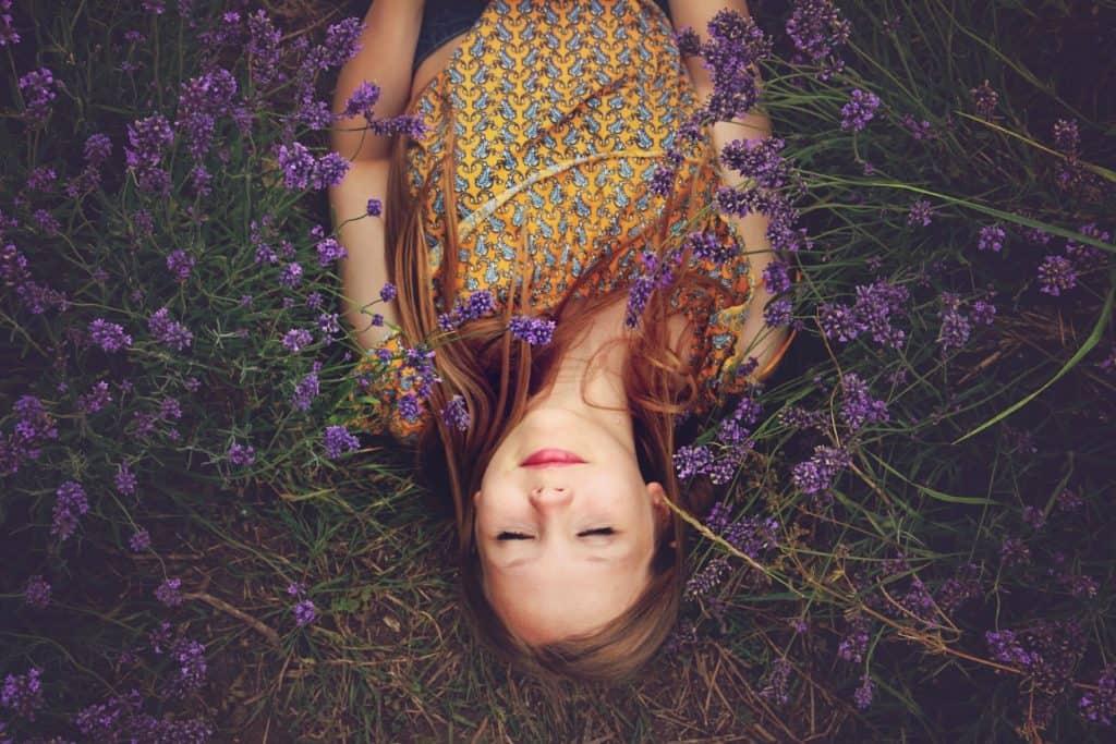 Kronenchakra öffnen mit der Farbe violett