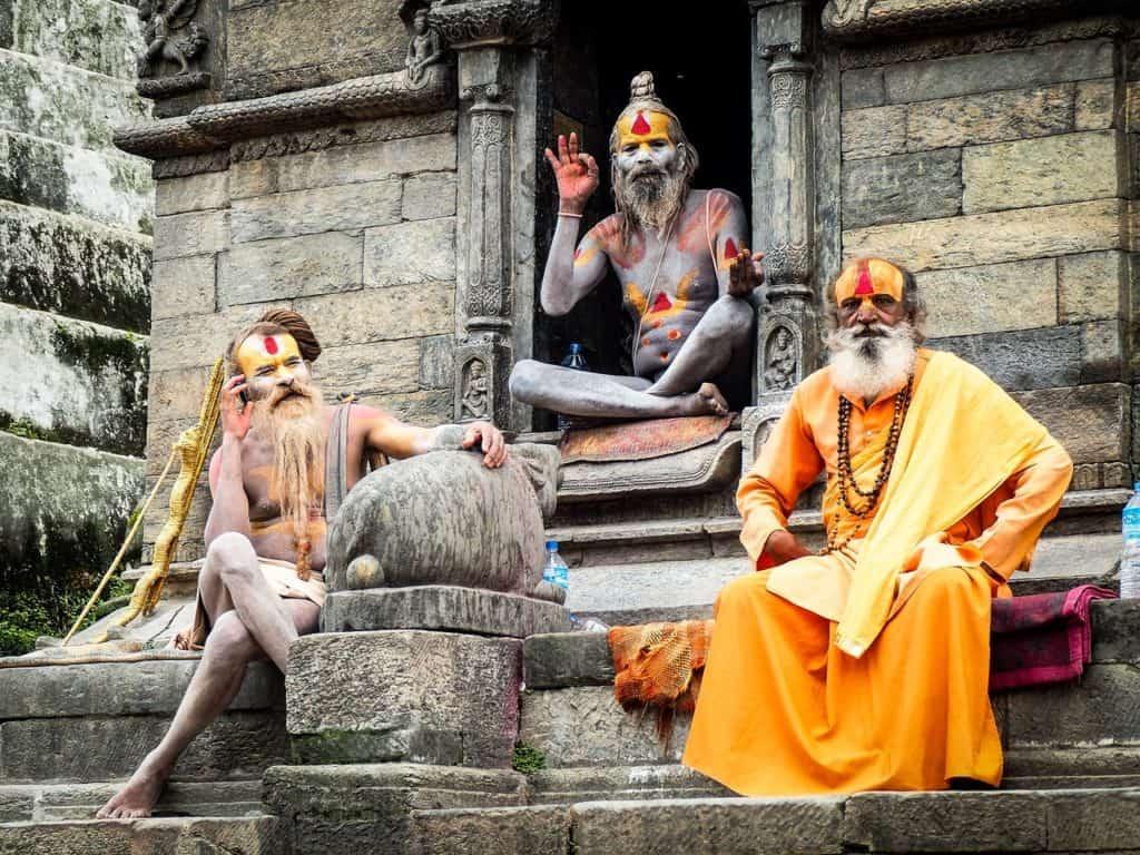 Bilder von Meditierenden in Indien