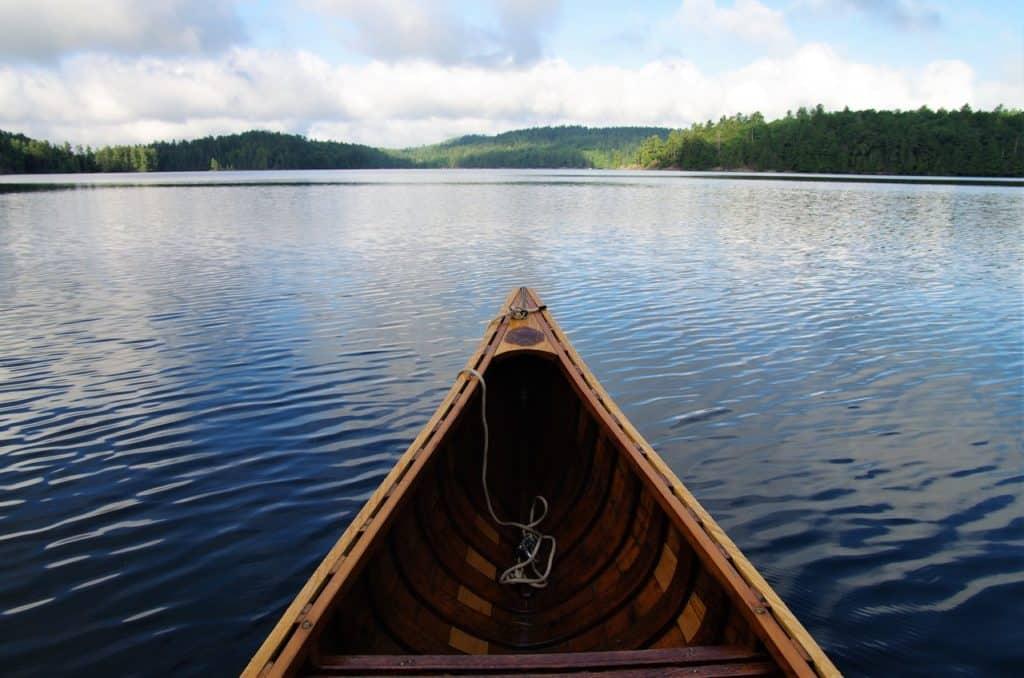 Kanutour als Idee für den Wald