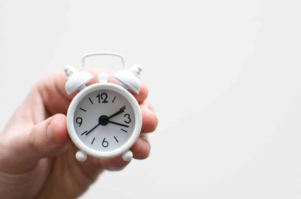 Zeit zu handeln, wie du deine negativen Einstellungen loswirst