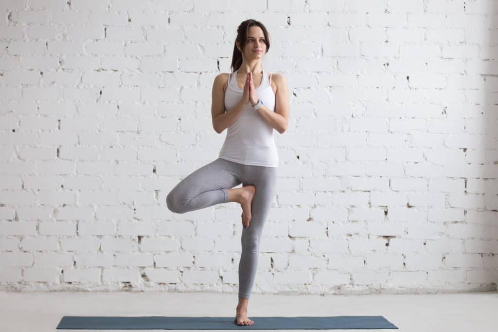 vrksasana_der_baum_yoga_asana_kronenchakra