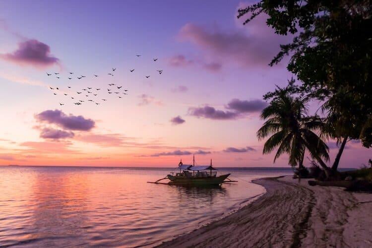 Traumreise der Piratenschatz rosa Sonnenuntergang